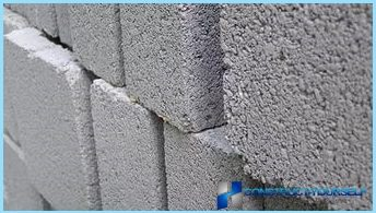 Blocks made of cellular concrete