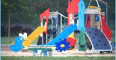 Installation of children's playground with his own hands