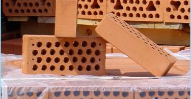 Features of ceramic bricks